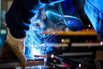 Dygtige og innovative håndværkere hos Helstrand Smedje