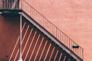 Trappegelændere i flotte designs til boliger og virksomheder