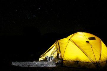 Nyd familiecampingturen i et innovativt og funktionelt Outwell telt