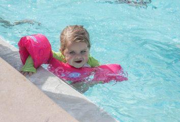 Badevinger og andet svømmeudstyr