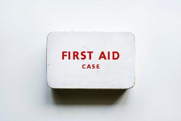 Den bedste hjælp er førstehjælpskasser